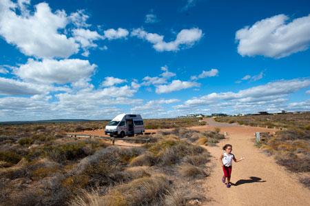 A nossa caravana estacionada algures na costa oeste da Austrália
